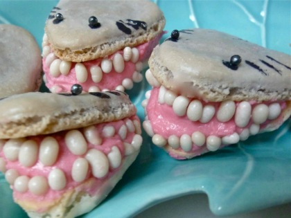 Great-White-Shark-French-Macarons
